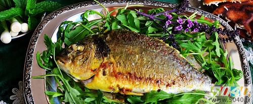 ماهی شوریده شکم پر در فر